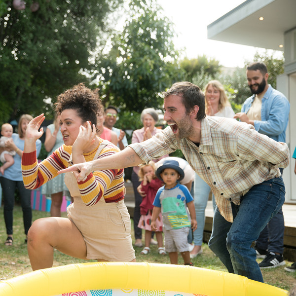 Kiwi comedy tackles motherhood on the big screen - 137 | Regional News